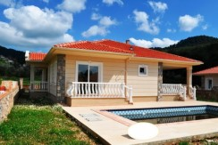 Beatiful bungalow in Uzumlu,swimming pool and garden