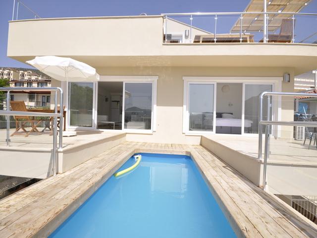 Апартаменты класса люкс с 2 спальнями и частным бассейном в Калкане