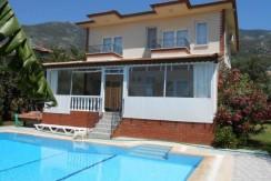 Back-of-Villa-pool_resize-595x365