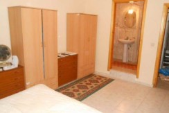 Bedroom-3-en-suite_resize-595x365