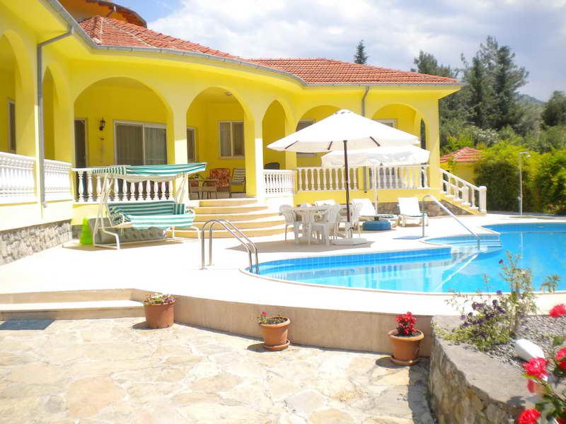 Great Rental Opportunity Bungalow and Two Villas in Akkaya