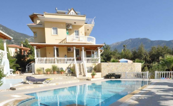 Spacious 4 Bedroom Duplex Apartment in Ovacik Fethiye