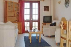 Lounge-area_resize-595x365