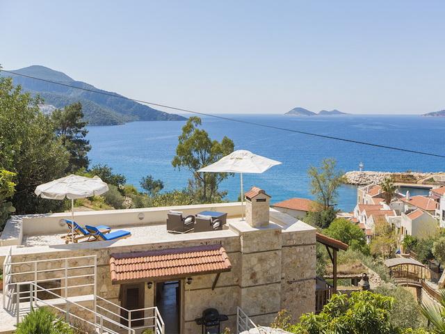 Kalkan' da 4 Yatak Odalı Deniz Manzaralı Villa