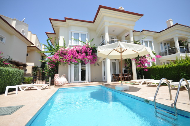Fully Furnished Villa Located on the Beachfront For Sale