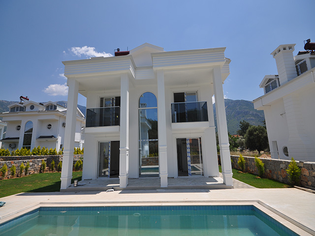 Brand New Villa Complex For Sale