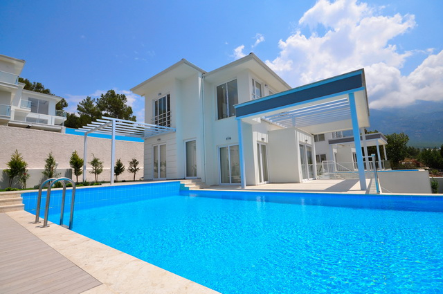 Luxury Modern Villas With Sea Views