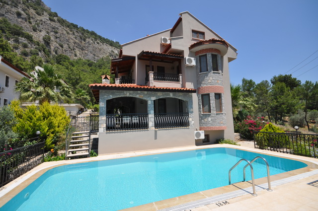 Detached Five Bedroom Villa in Beautiful Gocek