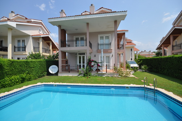 SOLD !!! Villa with Private Swimming Pool and Garden in Yaniklar For Sale