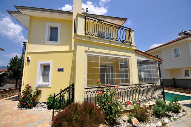 Detached Villa in Uzumlu Town