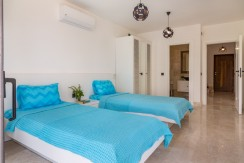 36-First Floor Twin Bedroom_resize