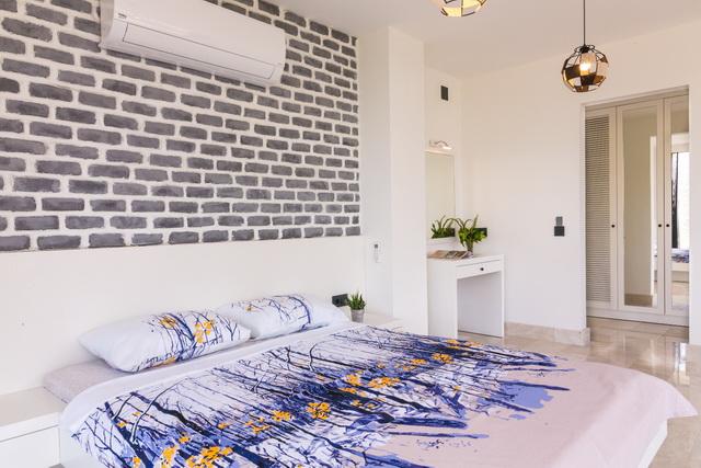 42-Master Bedroom_resize