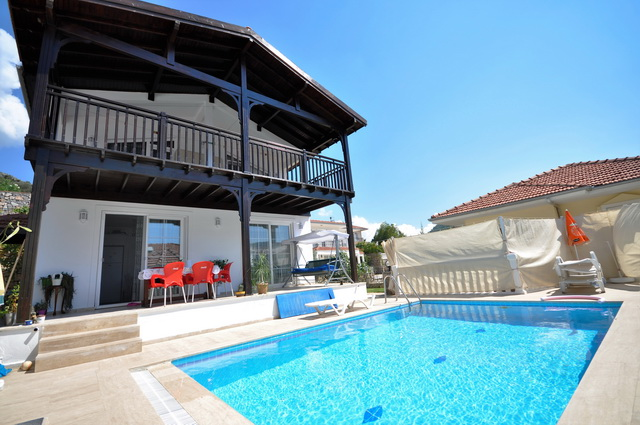 Detached Villa in Uzumlu with Private Garden and Swimming Pool