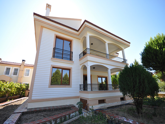 ON HOLD!! Pristine Villa in Uzumlu