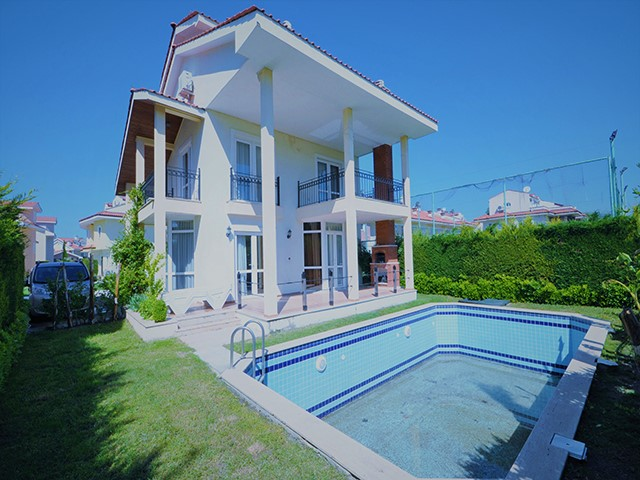 Spacious 4 Bedroom Detached Villa For Sale