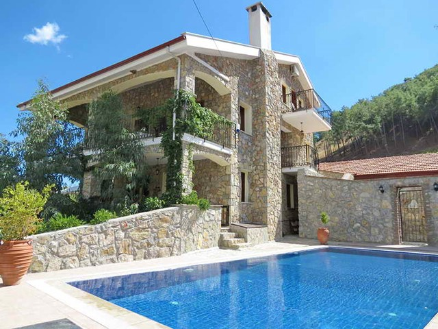 Traditional Stone Built Villa For Sale