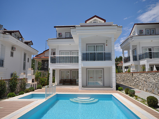 Brand New 4 Bedroom Fully Furnished Villas For Sale