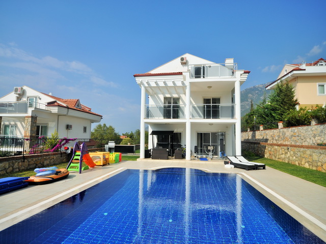 Luxury Villa Fully Furnished in Ovacik For Sale