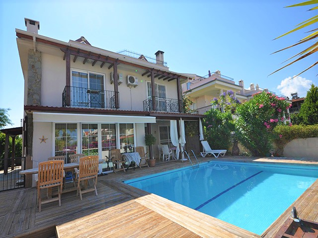 SOLD! Excellent Price for Large Semi Detached Villa with Sea Views