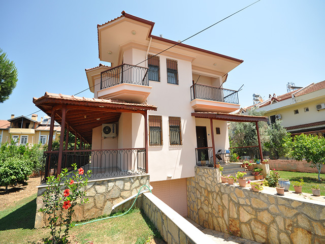 SOLD!!! Large Detached Villa with Private Garden