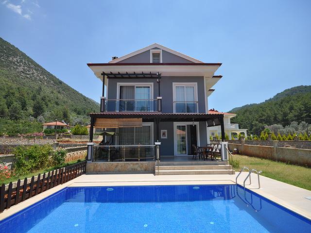 Four Bedroom Villa in Uzumlu