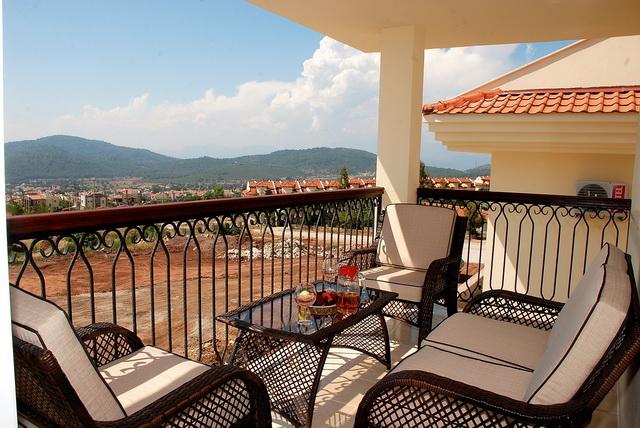 Balcony Rear_resize