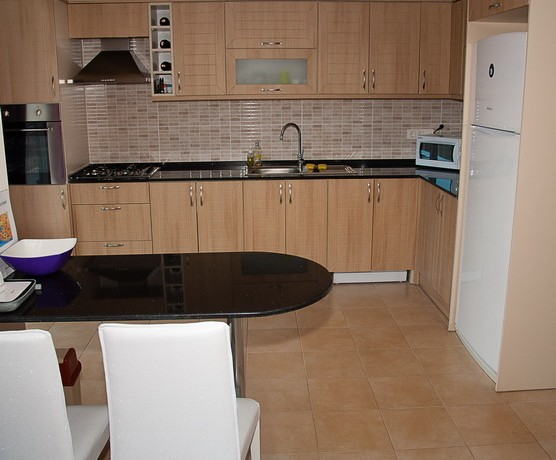 Kitchen-b.jpg_resize