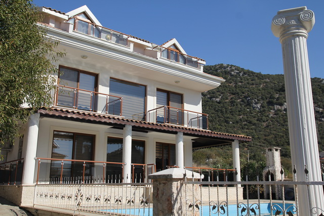 Bargain 3 Storey Ovacik Villa With Beutiful Views