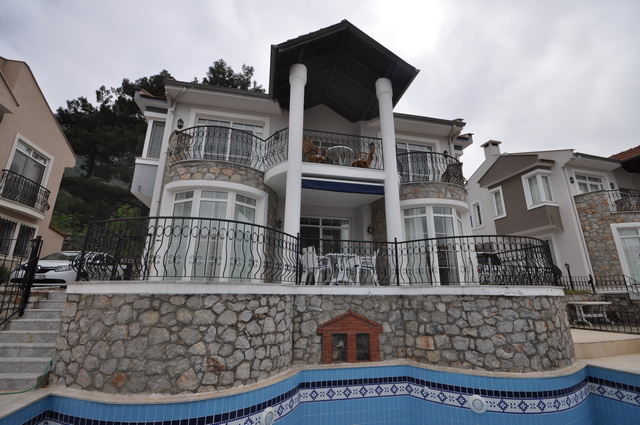 Fully Furnished Bargain Villa in Uzumlu