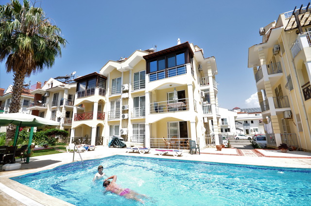 Duplex Calis Apartment Just a Few Minutes to The Beach