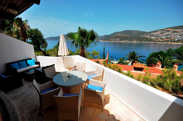 2Bedroom Kalkan Apartment in a Well Established Seafront Complex For Sale