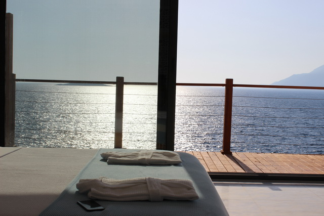 Luxurious Sea Front Boutique Hotel For Sale in Kas / Antalya