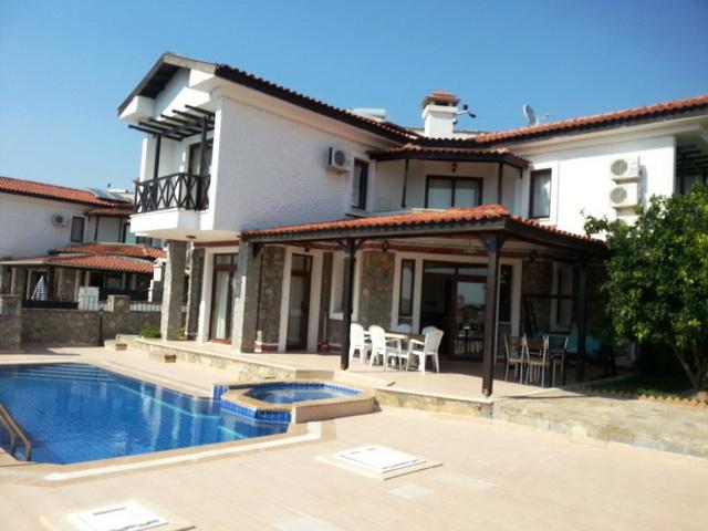 Bargain Priced Detached Villa For Sale in Kemer
