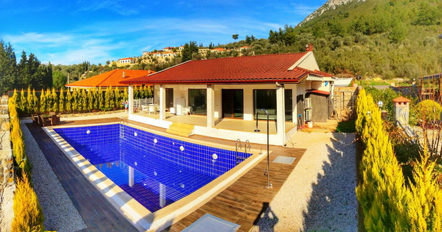4Bedroom Luxurious Bungalow With Swimming Pool in Uzumlu For Sale