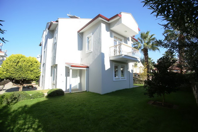Centrally Located Calis Villa With Shared Pool