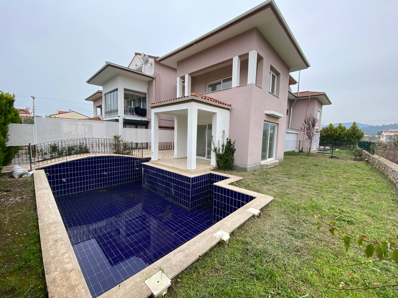 3 Bedroom Villa  with Private Pools and Gardens For Sale