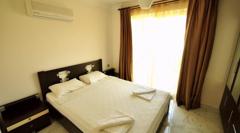 bedroom3 coral6