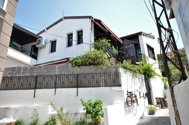ON HOLD !!Traditional Turkish Village House in Fethiye Center For Sale