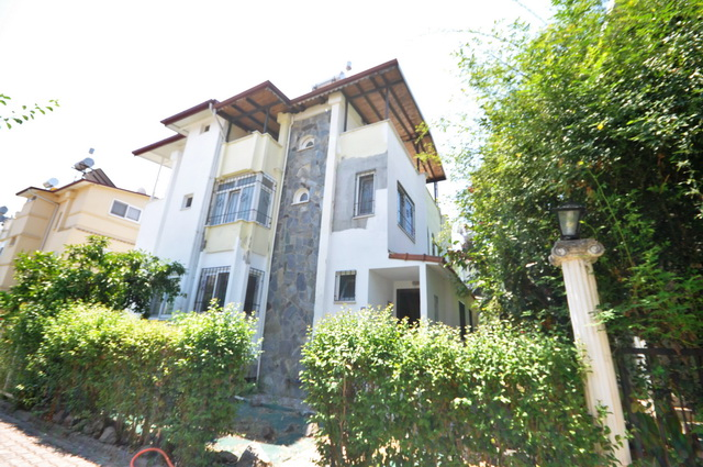 2 Bedroom Semi Detached Villa For Sale
