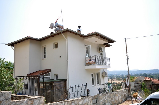 2 Bedroom Detached Villa with Shared Swimming Pool For Sale