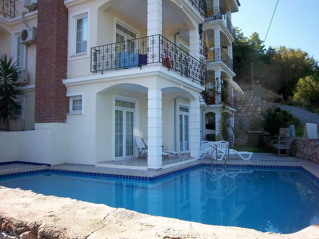 SOLD  !!!3 Bedroom Duplex Apartment with Shared Pool For Sale