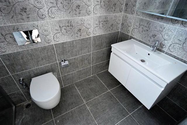 Bathroom (1)_resize