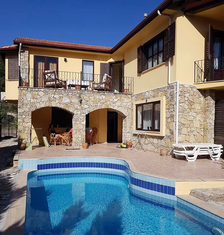 3 Bedroom Detached Triplex Villa with Swimming Pool For Sale