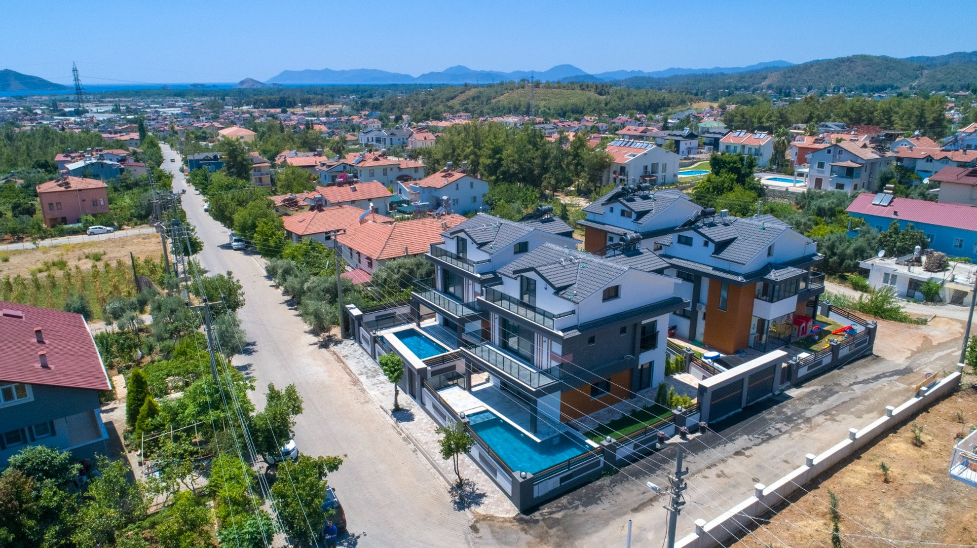 5 Bedroom Luxury Villas with Private Pool For Sale