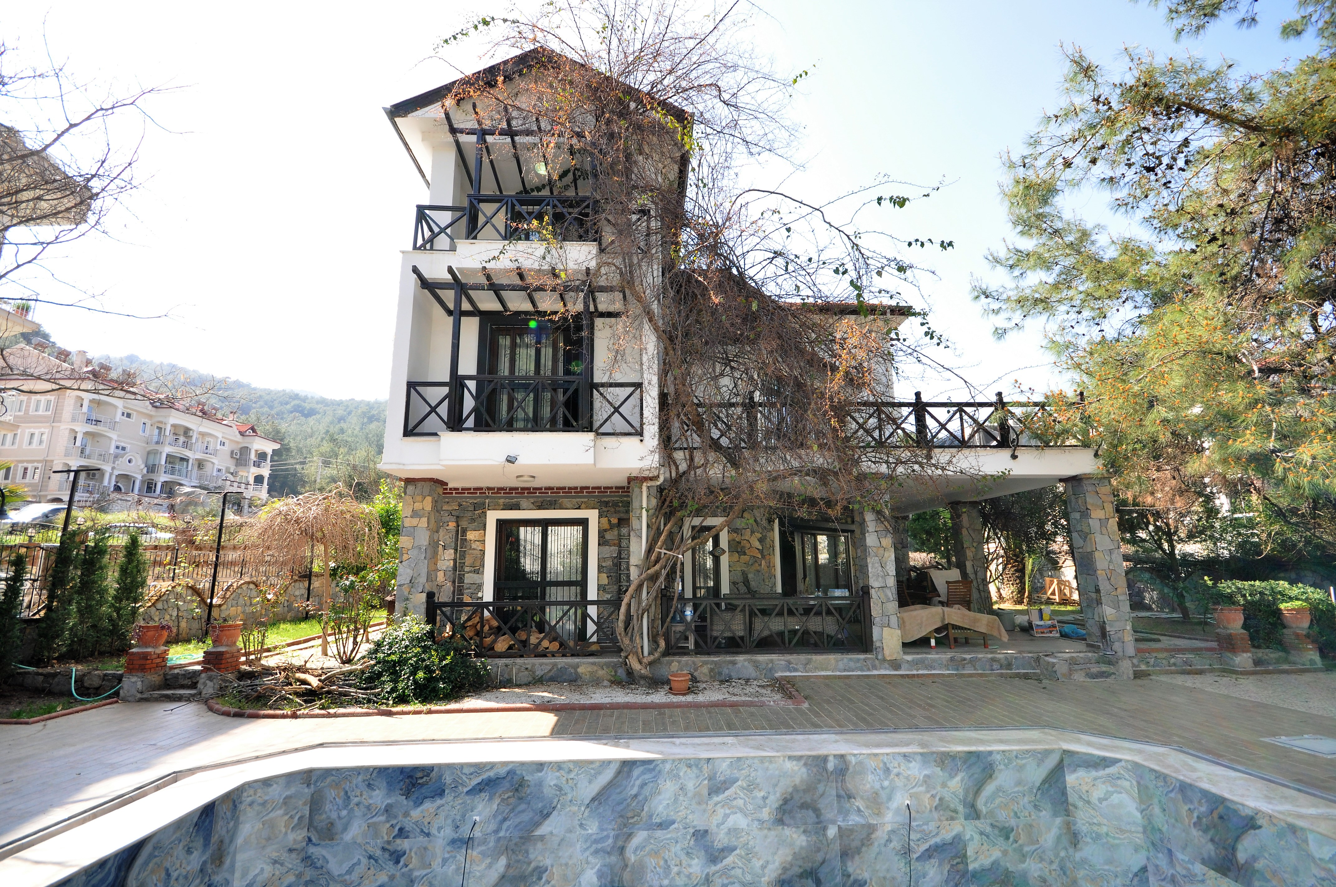 7 Bedroom Detached Triplex Villa with Private Swimming Pool For Sale