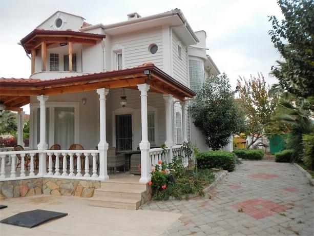 4 Bedroom Duplex Villa with Private & Garden Pool For Sale
