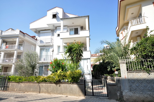 3 Bedroom Duplex Apartment with Shared Pool For Sale