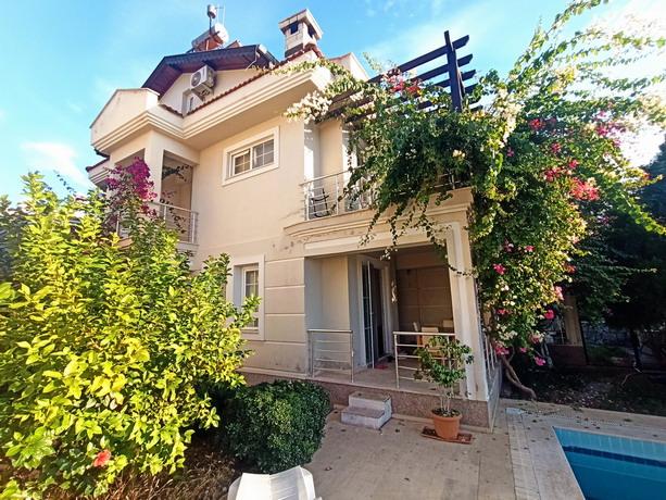 Centrally Located Semi-Detached Villa in Calis