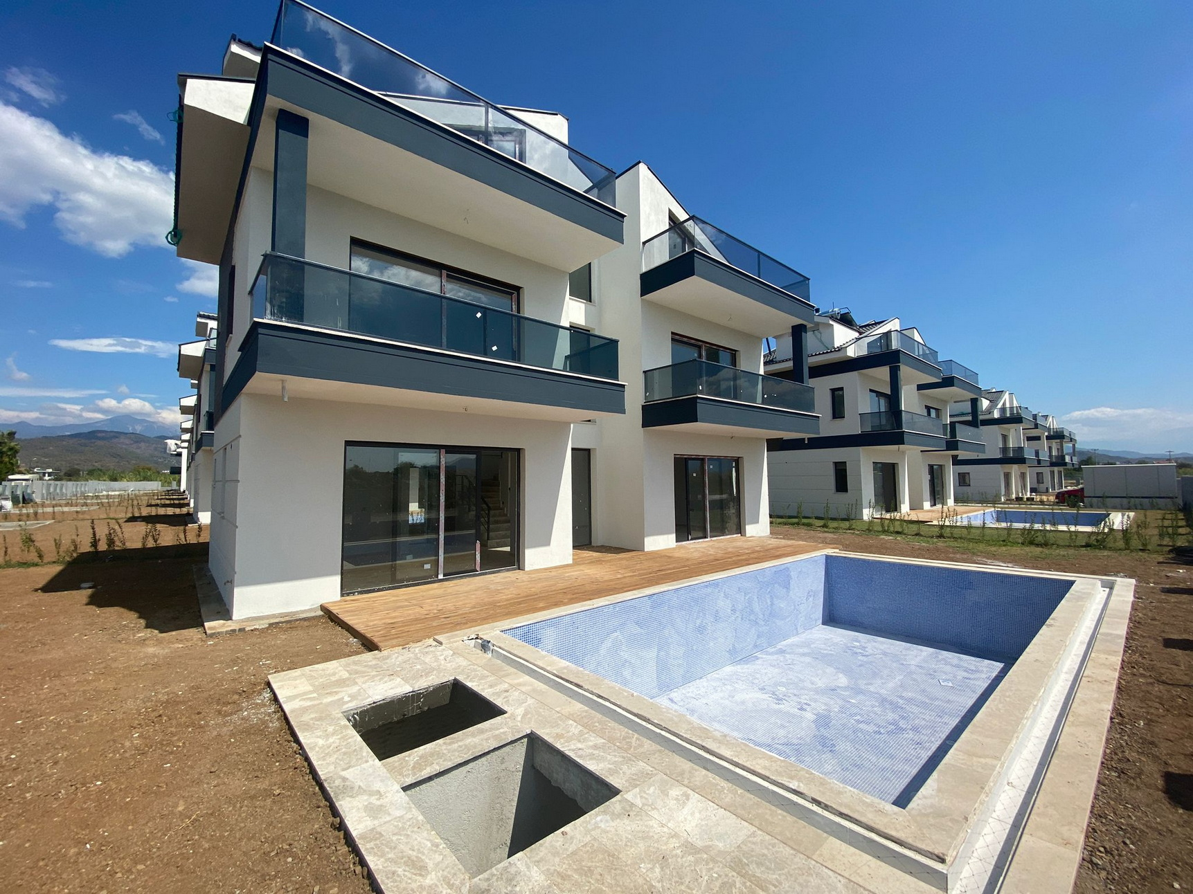 ON HOLD!!! Exlusive 3 Bedroom Villas with Swimming Pool