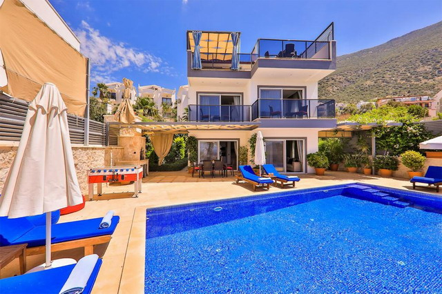 3 Bedroom Detached Villa with Swimming Pool and Amazing Sea View
